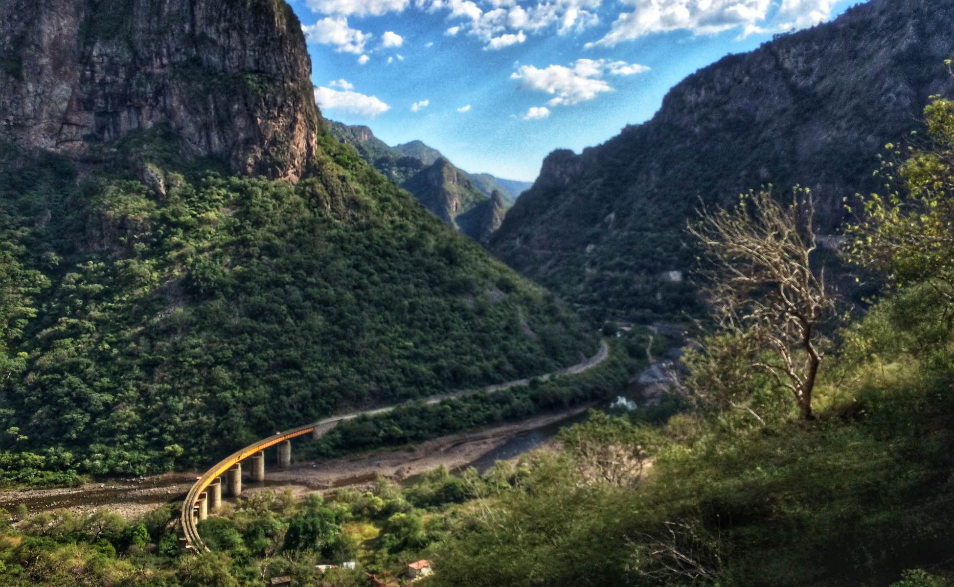 Mexico's Copper Canyon - Chepe railway tracks
